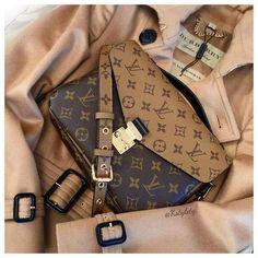 LOUIS VUITTON - Reverse Pochette Metis - BURBERRY Coat #womenhandbags