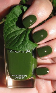 Just got this green for free from Zoya for ordering two other colors♡♡♡ I can't wait to try it!!!!!