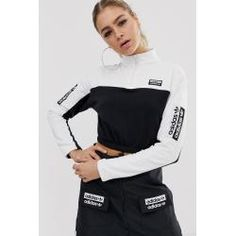 Buy adidas Originals RYV cropped sweatshirt in black and white at ASOS. With free delivery and return options (Ts&Cs apply), online shopping has never been so easy. Get the latest trends with ASOS now. Adidas Originals, Coats For Women, Jackets For Women, Damen Sweatshirts, Zip Up Hoodies, Adidas Outfit, Cropped Hoodie, Cropped Jackets, Fashion Looks