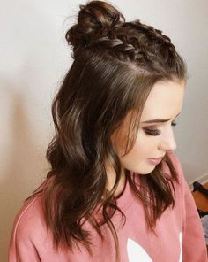 Easy Hairstyles for Meduim Length Hair For This Season - Page 16 of 20 Medium-length hairstyles are the most common hairstyles because they flatter every woman regardless of age, and hairstyle types have become a good hairstyle idea for… Cute Hairstyles For Teens, Teen Hairstyles, Latest Hairstyles, Ponytail Hairstyles, Hairstyle Ideas, Simple Hairstyles, Beautiful Hairstyles, Winter Hairstyles, Half Braided Hairstyles