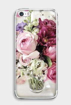 Weselny bukiet róż na etui do telefonu z kolekcji Floral Case: http://www.etuo.pl/etui-na-telefon-kolekcja-floral-case-bordowy-bukiet-roz.html