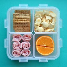 I just dread making school lunches... this site has some cute ideas!