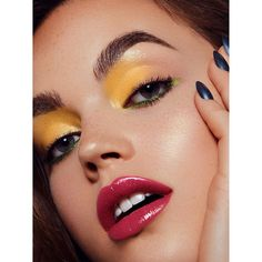 Il Makiage Spring 2019 (Various Campaigns) Green Eyeliner, Yellow Eyeshadow, Eyeshadow Looks, Red Makeup, Makeup Inspo, Beauty Makeup, Makeup Looks, Almond Eyes, Almond Nails