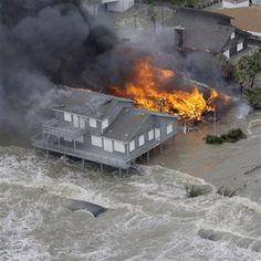 Galveston Island Hurricane Ike | homes along the beach on Galveston Island, Texas as Hurricane Ike ...