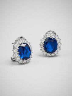 #1 on our wedding must-have jewels: Victory Circle Studs Earring | BaubleBar http://blog.wantering.com/post/81534236819/baublebar-wedding-jewelry