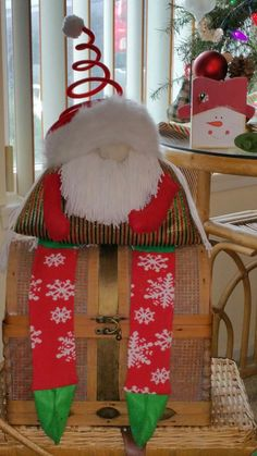 Health And Nutrition, Christmas Stockings, Arts And Crafts, Holiday Decor, Home Decor, Interior Design, Art And Craft, Home Interiors, Crafts