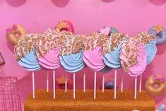 Meringue Lollipops f