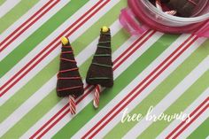 A fun activity for kids to get into the holiday spirit. Easy Holiday Recipes, Easy Recipes, Fun Activities For Kids, Candy Cane, Brownies, Cocoa, Spirit, Glass, Easy Keto Recipes