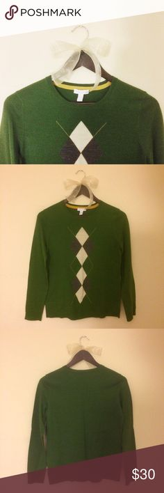 Green Argyle Sweater NWOT. This sweater has only been worn once to try on. It is practically brand new. 60% Wool, 25% Acrylic, 15% Nylon.  ✅Reasonable offers welcome! ✅BUNDLE DISCOUNTS! 🚫No trades/paypal/other apps. 🚫No lowball offers Charter Club Sweaters Crew & Scoop Necks