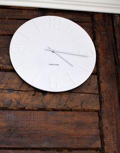 new clock from Asunto E (www.asuntoeblogi/blogspot.com)