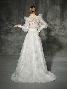 ALAMEDA, yolancris, romantic, couture, dress, wedding, barcelona, bridal, gown, novia, vestido, bride, elegantes, atelier, modérons, originales, hechos a mano, artesanales, costura, couture gowns, tailored made, bespoke, best bridal designers, fashion, el