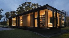 20 Ideas container house architecture modern for Guest house design pictures, modern steel frame homes . Modern Small House Design, Small Modern Home, Modern Homes, Modern Design, Nachhaltiges Design, Design Case, Interior Design, Villa Design, Yard Design