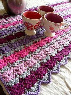 Like this stitch!! Looks like butterflies! #crochet #crochetafghans