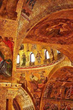 Venedik San Marco Bazilikası nın  içi.
