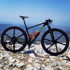 Cool Bicycles, Cool Bikes, Bike Machine, Xc Mountain Bike, Bmx Cycles, Bmx Bike Parts, Power Bike, Fat Bike, Bicycle Components