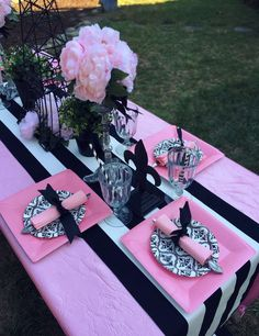 Ideas Birthday Party Table Mariage For 2019 Paris Themed Birthday Party, Barbie Birthday Party, Birthday Party Tables, Barbie Party, Spa Birthday, Chanel Party, Party Themes, Party Ideas, Parisian Party
