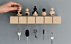 Un porte clé en bois DIY Pot Mason Diy, Mason Jar Crafts, Mason Jars, Diy Projects To Try, Wood Projects, Woodworking Projects, Diy Casa, Bois Diy, Diy Hanging Shelves