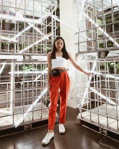 Kylie Verzosa, Apink Naeun, Uzzlang Girl, Casual Summer Outfits, Parachute Pants, Harem Pants, Street Style, Stylish, Womens Fashion