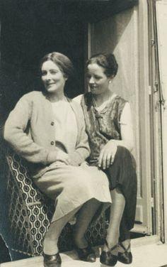 BECOMING MODERN : MINA LOY - and DJUNA BARNES