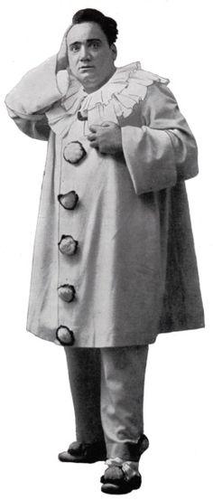 Enrico Caruso Italian tenor here as Canio the clown in the Leoncavallo opera I Pagliacci