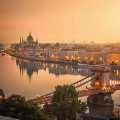 Budapest, Hungary ~ ღ Skuwandi Most Beautiful Cities, Wonderful Places, Places To Travel, Places To See, Wachau Valley, Capital Of Hungary, Budapest Travel, Hungary Travel, Belle Villa