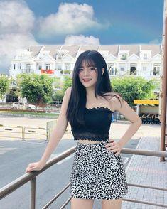 Girly Outfits, Skirt Outfits, Cute Asian Girls, Cute Girls, Beautiful Asian Women, Ulzzang Girl, Asian Fashion, Asian Woman, Korean Girl