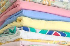 Ecco come calcolare il metraggio dei tessuti Vintage Fabrics, Refashion, Upcycle, Reuse, Beach Mat, Bed Pillows, Diy And Crafts, Recycling, Applique