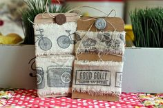 Need a fast, inexpensive, and easy way to dress up a gift or bit of home decor, or even give as a gift? Michelle Lanning has just the tutorial for you!