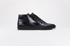 Common Projects. Minimalist men shoes | Minimalist footwear | Minimalist shoes | Capsule wardrobe | Black patent high top sneakers | Slow fashion | Simple style