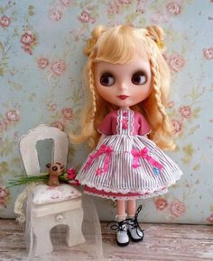 Blythe Pink and Stripes Dress.  Fits Pullip and similar size