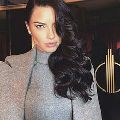 """theyloveadriana: """"Adriana Lima serving looks promoting the Victoria's Secret Fashion Show, 17 years in her VS career and she still slaying """" Adriana Lima Style, Pelo Adriana Lima, Adriana Lima Makeup, Natalie Portman, Blake Lively, Adriana Lima Victoria Secret, Scarlett, Vs Models, Hair Models"""