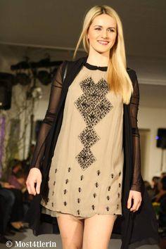 Fashion-Show bei Arcada in Waidhofen/Thaya Fashion Show, Cold Shoulder Dress, Beautiful, Dresses, Gowns, Dress, Runway Fashion, Day Dresses, Clothing