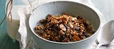 » Lee Holmes' delicious cranberry and walnut granola