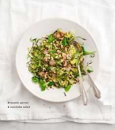 My favorite sunchoke recipe! Crispy pan-fried sunchokes are SO delicious in this warm salad with shaved brussels sprouts and toasted pine nuts. Fruit Recipes, Whole Food Recipes, Salad Recipes, Veggie Recipes, Brussel Sprout Salad, Brussels Sprouts, Fennel Salad, Thanksgiving Salad, Vegetarian Food