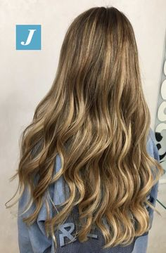 Le sfumature Degradé Joelle sono create esclusivamente per te! #cdj #degradejoelle #tagliopuntearia #degradé #igers #musthave #hair #hairstyle #haircolour #longhair #ootd #hairfashion #madeinitaly #wellastudionyc