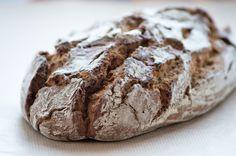 Das #Roggenbrot schmeckt köstlich und ist relativ einfach in der Zubereitung. Dieses Rezept stammt aus Omas Küche.