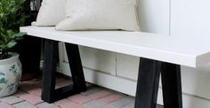 Build a Beautiful Bench With These Free DIY Woodworking Plans Picture of a black and white wood bench from Home Made By Carmona The post Build a Beautiful Bench With These Free DIY Woodworking Plans appeared first on Wood Diy. West Elm Bench, Diy Furniture Tutorials, Furniture Ideas, Furniture Stores, Furniture Making, Furniture Design, Diy Terrasse, Diy Bench, Porch Bench