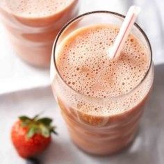Mix and Match Banana Berry Smoothie Mix and Match Bananen-Beeren-Smoothie-Rezept – EatingWell Peach Smoothie Recipes, Diabetic Smoothies, Banana Berry Smoothie, Berry Smoothie Recipe, Diabetic Snacks, Fruit Smoothies, Diabetic Recipes, Homemade Smoothies, Pre Diabetic