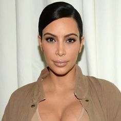 Kim Kardashian Only Needs 4 Words to Express Her Thoughts on Pope Francis