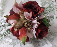 Mira este artículo en mi tienda de Etsy: https://www.etsy.com/listing/251222662/bridal-bouquet-dark-burgundy-with-sage