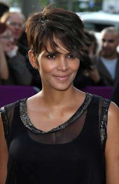 awesome 20 best Halle Berry Pixie cuts //  #Berry #Best #cuts #Halle #pixie