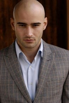 Christian Monzon : Bald Men of Style Style Hommes Chauves, Young Bald Men, Bald Men Style, Big And Tall Style, Bald Man, Ideal Man, Shaved Head, Confident Woman, Looks Style