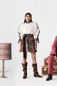 Fashion Week, Runway Fashion, Fashion Beauty, Fashion Show, Fashion Trends, Vogue Paris, Wool Poncho, Vogue Russia, Mannequins