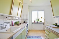 50th century parlor, lime green, kitchen, retro kitchen track