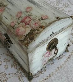 A Beautiful Treasure Chest. Love 💕 It! Decoupage Box, Decoupage Vintage, Vintage Crafts, R.- Fall for our ultimate guide to Shabby Chic home decor and design. … feel to it however it's going to do that with more feminine colors and accents t… Decoupage Vintage, Decoupage Box, Vintage Crafts, Decoupage Drawers, Shabby Chic Porch, Shabby Chic Frames, Shabby Chic Farmhouse, Shabby Chic Decor, Shabby Chic Boxes