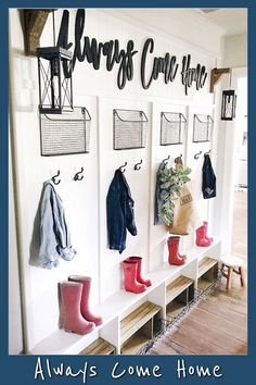 50 Stunning Farmhouse Mudroom Decor Ideas And Remodel - Googodecor Farmhouse Kitchen Decor, Mudroom Decor, Mudroom Organization, Room Remodeling, Foyer Decorating, Farmhouse Mudroom, Cheap Home Decor, Mud Room Storage, Home Decor