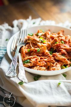 Slow cooker pulled BBQ chicken is the perfect effortless dinner for tonight. Throw everything into your slow cooker, go out and enjoy this amazing day, and come back in 4 hours to a delicious, #paleo and #whole30 compliant dinner waiting for you! Find