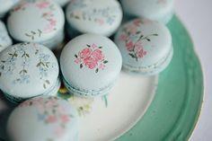 Hand-painted macarons // www.onefabday.com