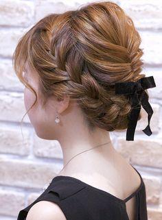 Beauty Makeup, Hair Makeup, Hair Beauty, 60s Hair, Wedding Guest Hairstyles, Hair Arrange, Hair Setting, How To Make Hair, Make Up