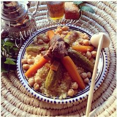 Couscous Algerien Algerian Recipes, Algerian Food, Snap Food, Cordon Bleu, Pot Roast, Waffles, Nutrition, Dishes, Meat